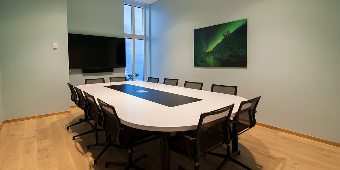 Meeting room to seat 6