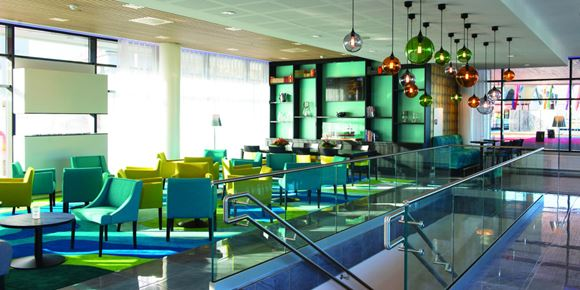 The lobby with seating areas at Thon Hotel Fosnavåg
