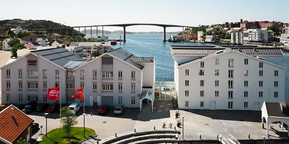 The facade and waterfront at Thon Hotel Kristiansund