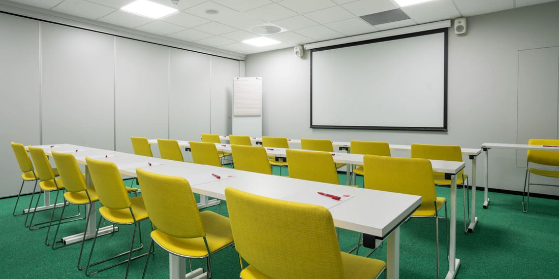 Conference room to seat 40