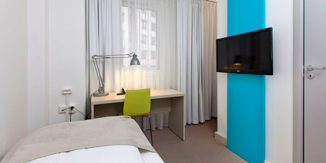 standard room single enkeltseng, vegghengt tv