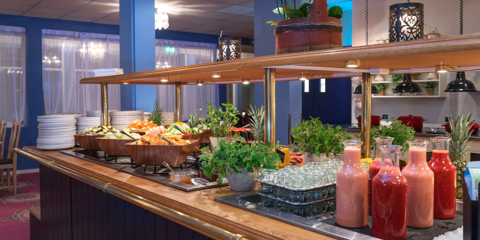 Smoothies, herbs and various types of melons at the breakfast buffet at Thon Hotel Skeikampen