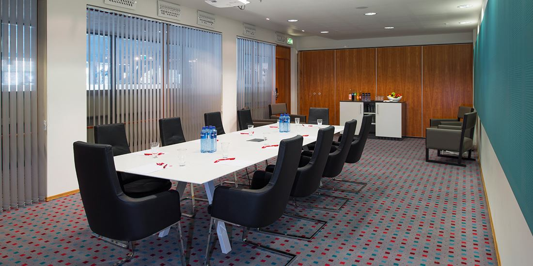 Meeting room to seat 20