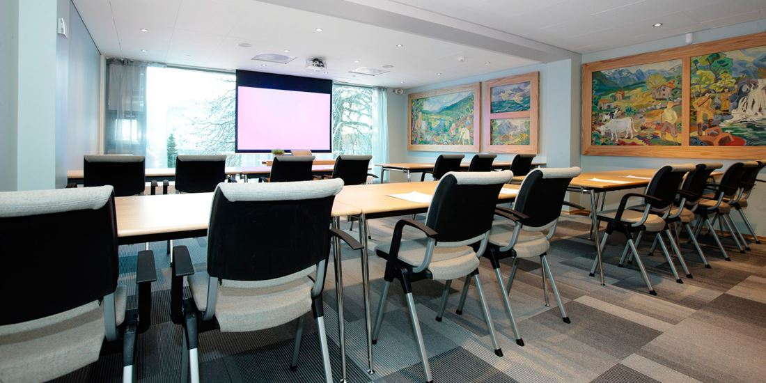 Conference room to seat 36