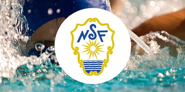 A boy swimming, with the logo of the Norwegian Swimming Federation